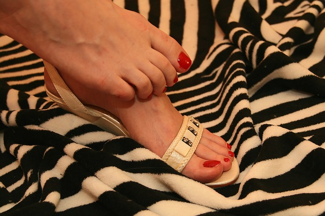 feet-847485_640