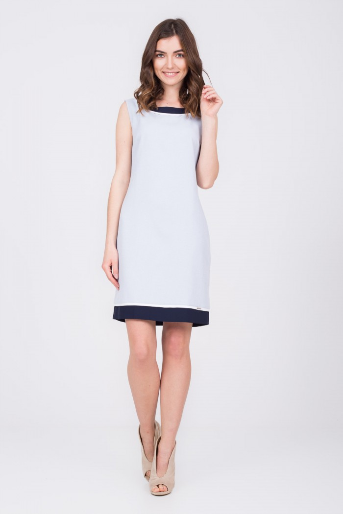 blekitna-trapezowa-sukienka-quiosque-bd6